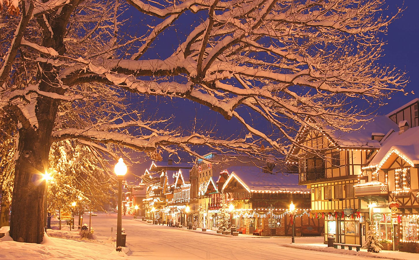 Christmas Town.Rockettes 10 Favorite Christmas Loving Towns In The U S