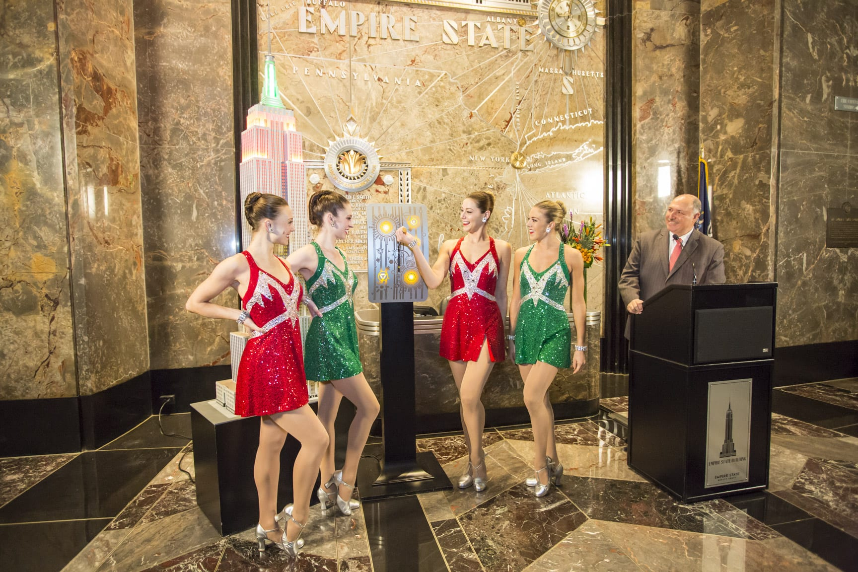 christmas-spectacular-empire-state-building-colors-rockettes