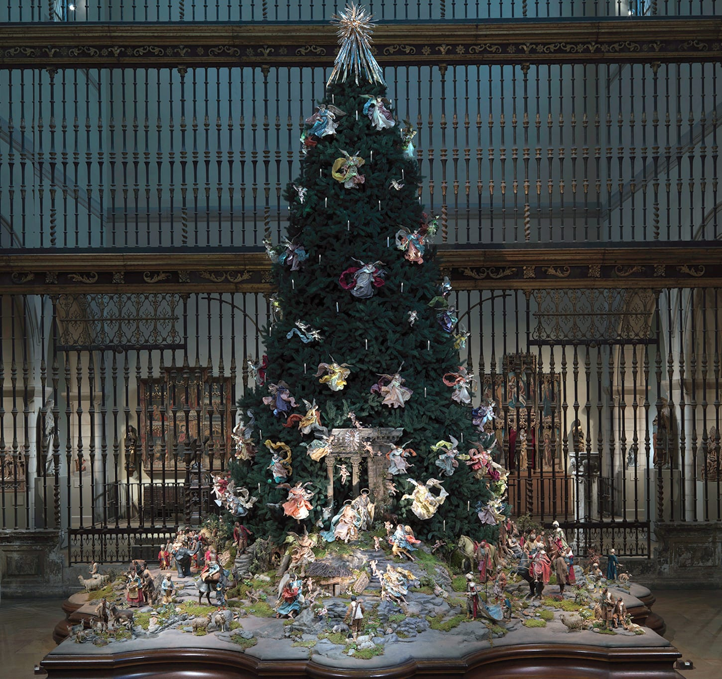 a longstanding holiday tradition adored by new yorkers and visitors from around the world the 20 foot blue spruce at the metropolitan museum of art is