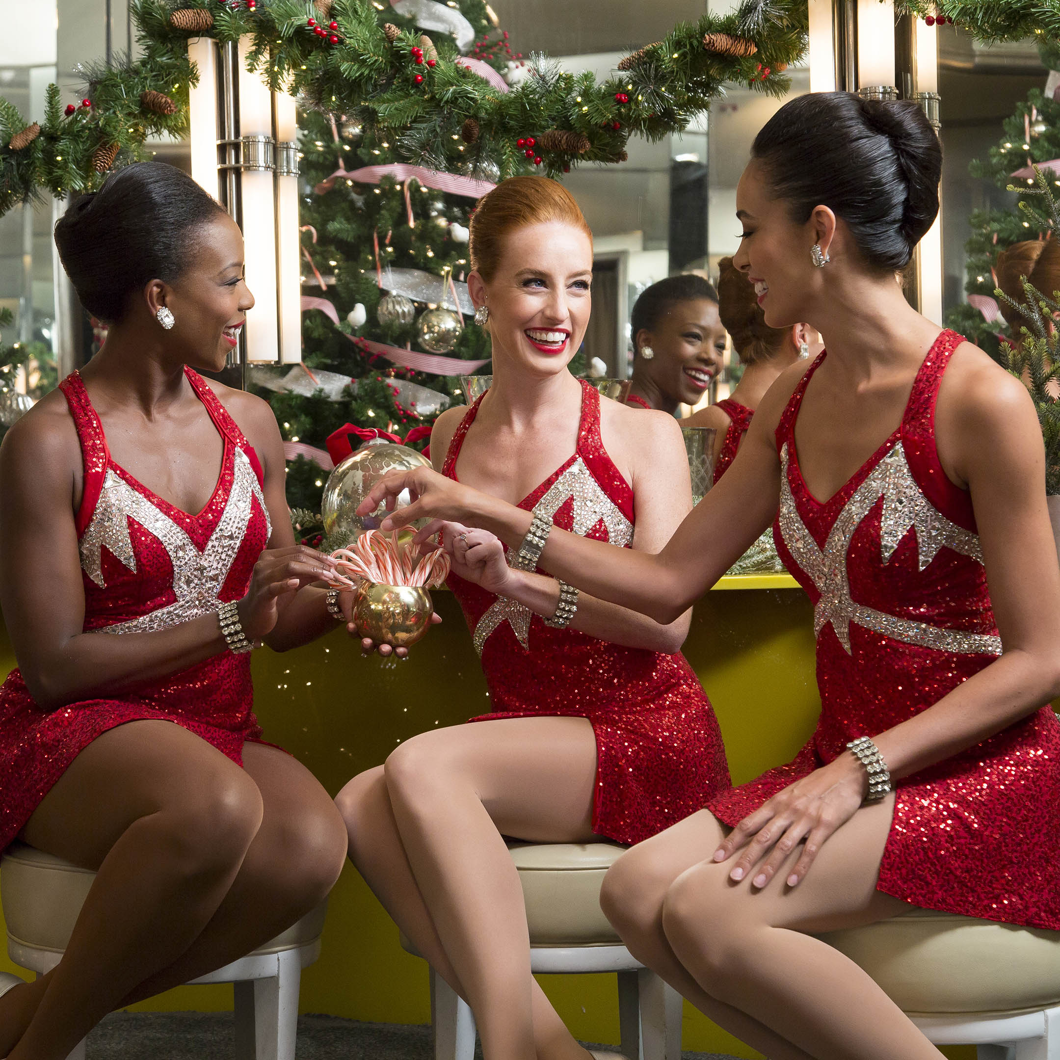 d1ebe4a5928 4 Rockettes-Inspired Outfits to Wear This Holiday Season